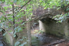 16.-Haselbury-Bridge-downstream-arch-3