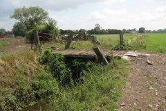 Meare-Pool-Farm-Accomodation-Bridge-2-Downstream-Side