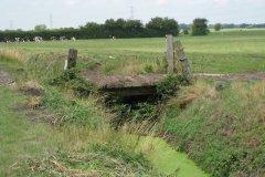 Meare-Pool-Farm-Accomodation-Bridge-2-Upstream-Side