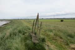 9.-Resting-Place-on-the-River-Parrett-Trail-near-Fenlyns-Clyce